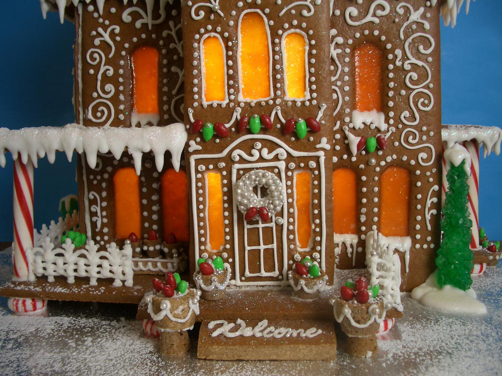 Gingerbread House - 2011 - Goos By Anna on fudge box, ginger box, brownies box, cookie dough box, halloween box, gumbo box, rose box, church box, cupcake house box, biscotti box, pig roast box, candy box, text box, fireplace box, ornament box, icing box, panettone box, giveaway box, butterfly box, tiramisu box,